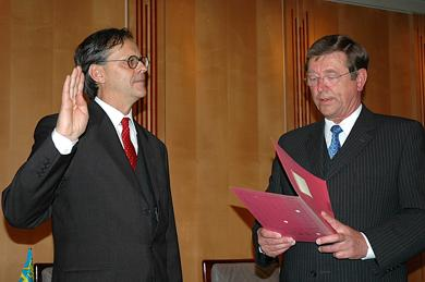 Landrat Bogislav-Tessen von Gerlach in das Amt eingeführt